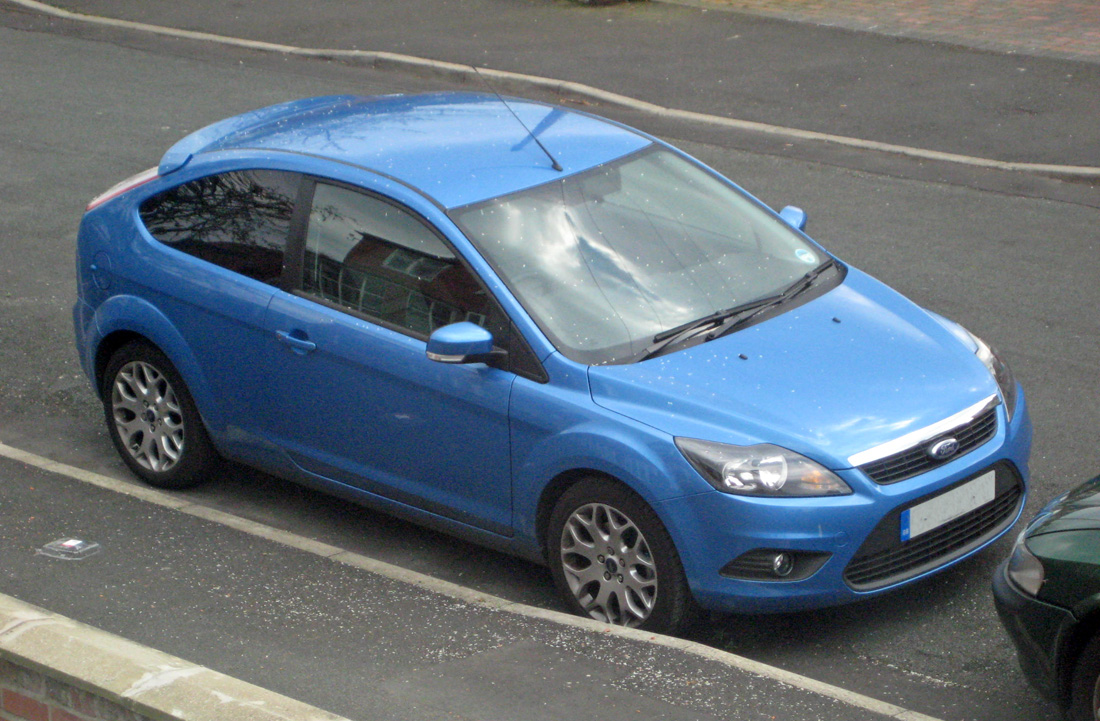 ford focus zetec 1 8tdci mk2 5 options verdict first world motoring. Black Bedroom Furniture Sets. Home Design Ideas