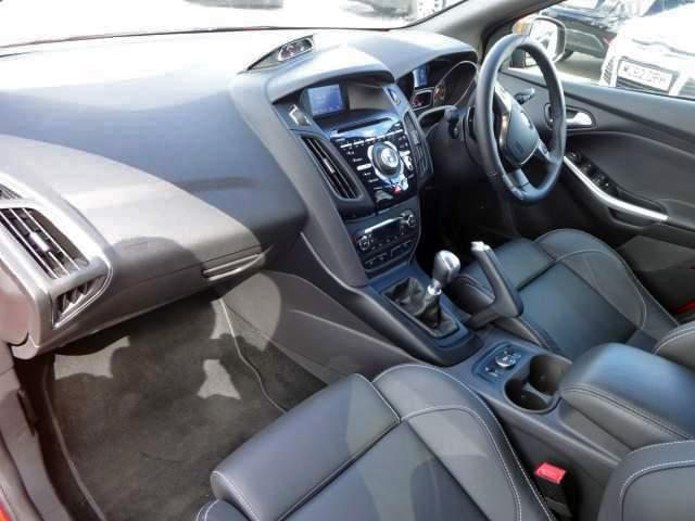 Focus ST3 interior front