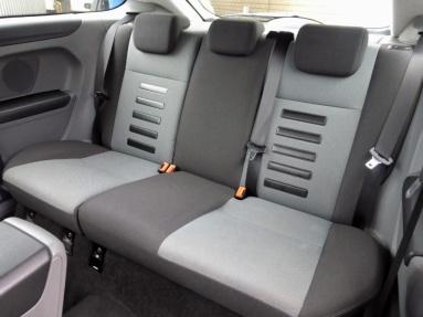 Rear seats*