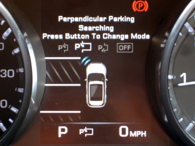 Range Rover Evoque Park Assist - Perpendicular