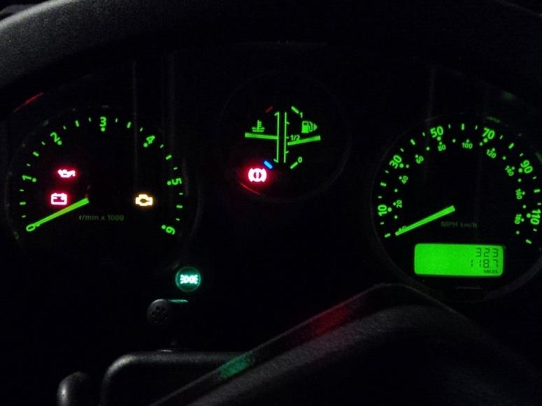 LR Defender driver dials