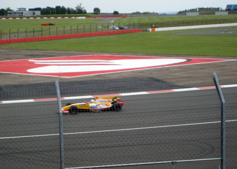 Renault F1 lap