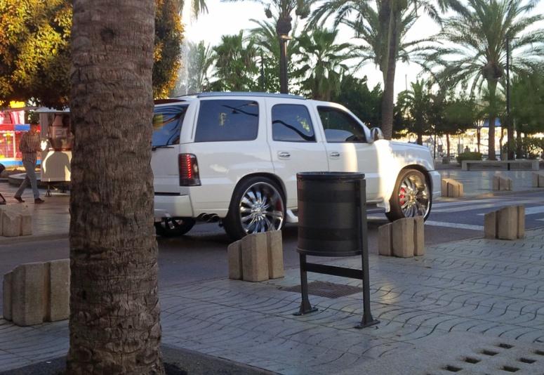Ibiza Cadillac Escalade