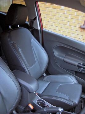 Fiesta 1.0 front seats