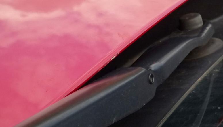 Range Rover Evoque wiper scrape