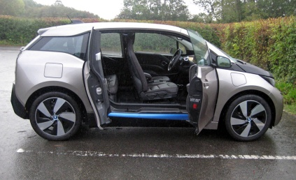 BMW i3 side open afar