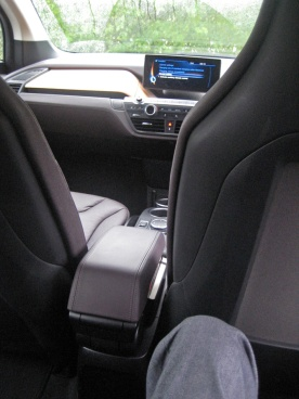 BMW i3 kneeroom