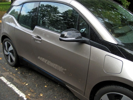 BMW i3 side filler flap