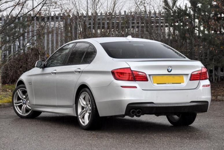 BMW 520i Rear 3q 2