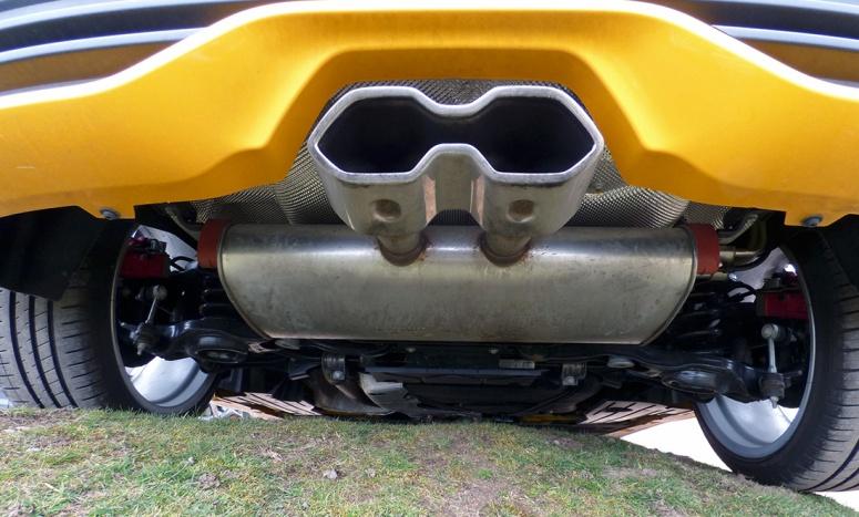 Ford Focus ST facelift steering wheel