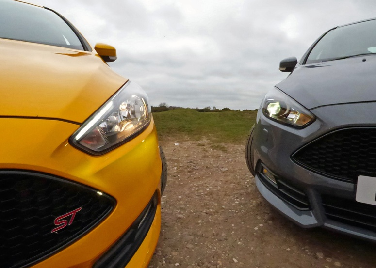 Focus ST-2 headlight vs Focus ST-3 Xenon headlight