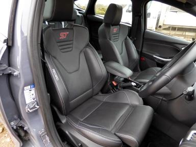 Focus ST-3 front seats
