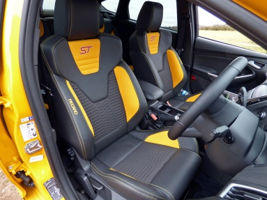 Focus ST-2 front seats