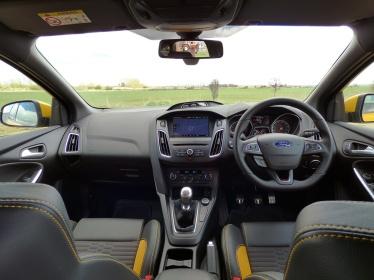 Ford Focus ST dash yellow interior Tangerine Scream