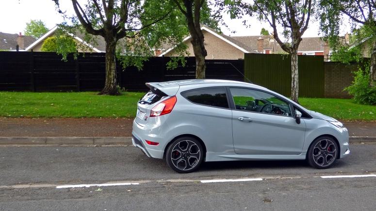 Fiesta ST200 side