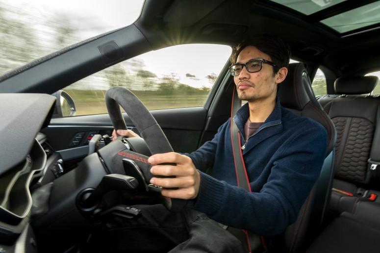 audi-rs4-drive