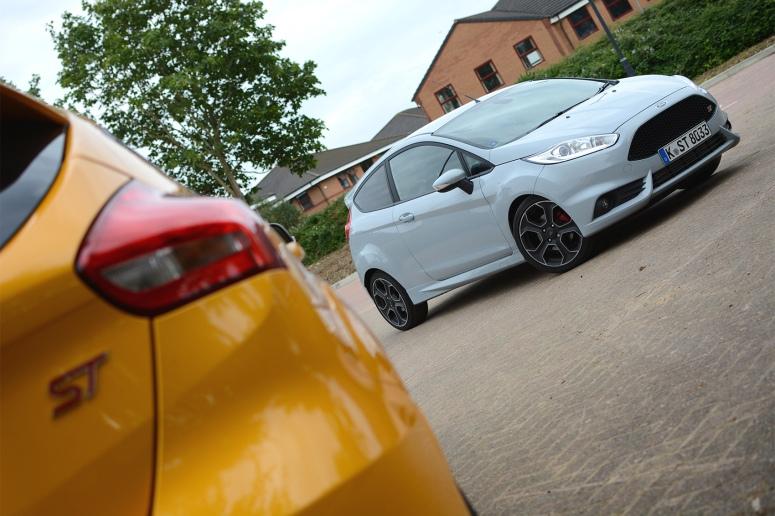 Ford Fiesta ST200 vs Focus ST